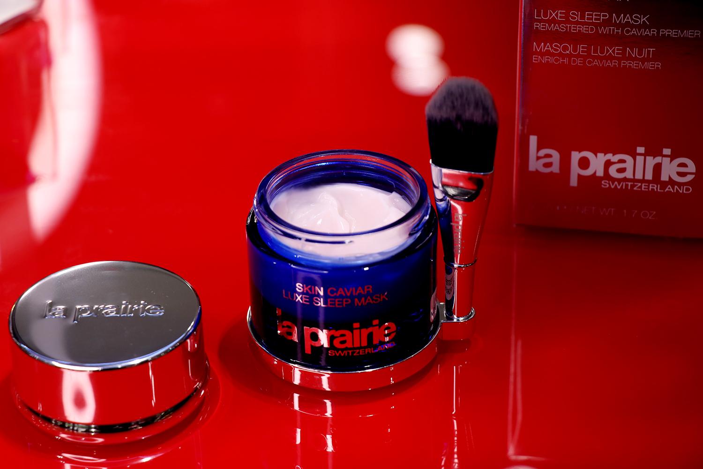La Prairie Skin Caviar нощна маска, от 674лв. на 505,50лв. Тук дори не са нужни обяснения - грижата с черен хайвер на La Prairie е мечтата на всеки бюти-обсебен.