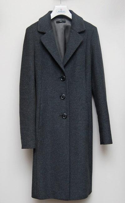 сиво палто Hugo Boss, м-н VAYK  София Аутлет Център  стара цена - 1148 лева аутлет цена - 599 лева