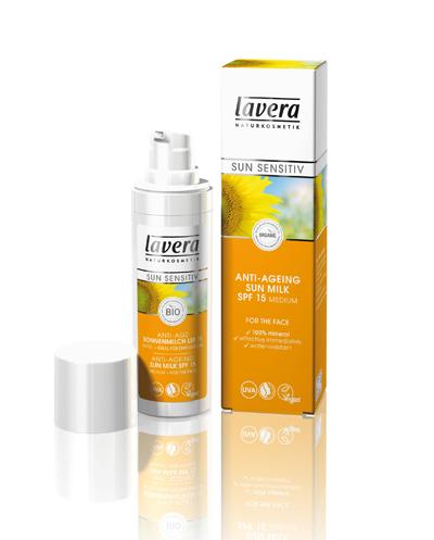 Продукти, които не са подходяща основа за гримLAVERA ANTI-AGEING SUN MILK SPF 15Чудесният био продукт съчетава в себе си двойна защита - против слънце и против стареене, водоустойчив, с моментален ефект.  В чистата му минерална формула се съдържа био масло от нар, което изглажда кожата перфектно. Филтрите в крема осигуряват сигурна защита против изгаряне на лицето, шията и раменете.Нанася се равномерно и обилно количество върху кожата и е необходимо повторно нансяне след изпотяване, намокране или избърсване.17,50 лв.