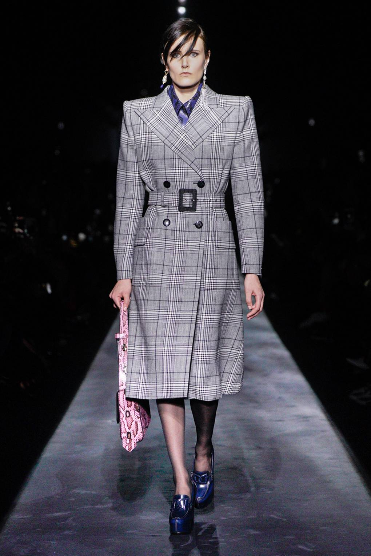 Givenchy Есен/Зима 2019: Мистицизъм и доза dark vibes в романтичната колекция на Givenchy