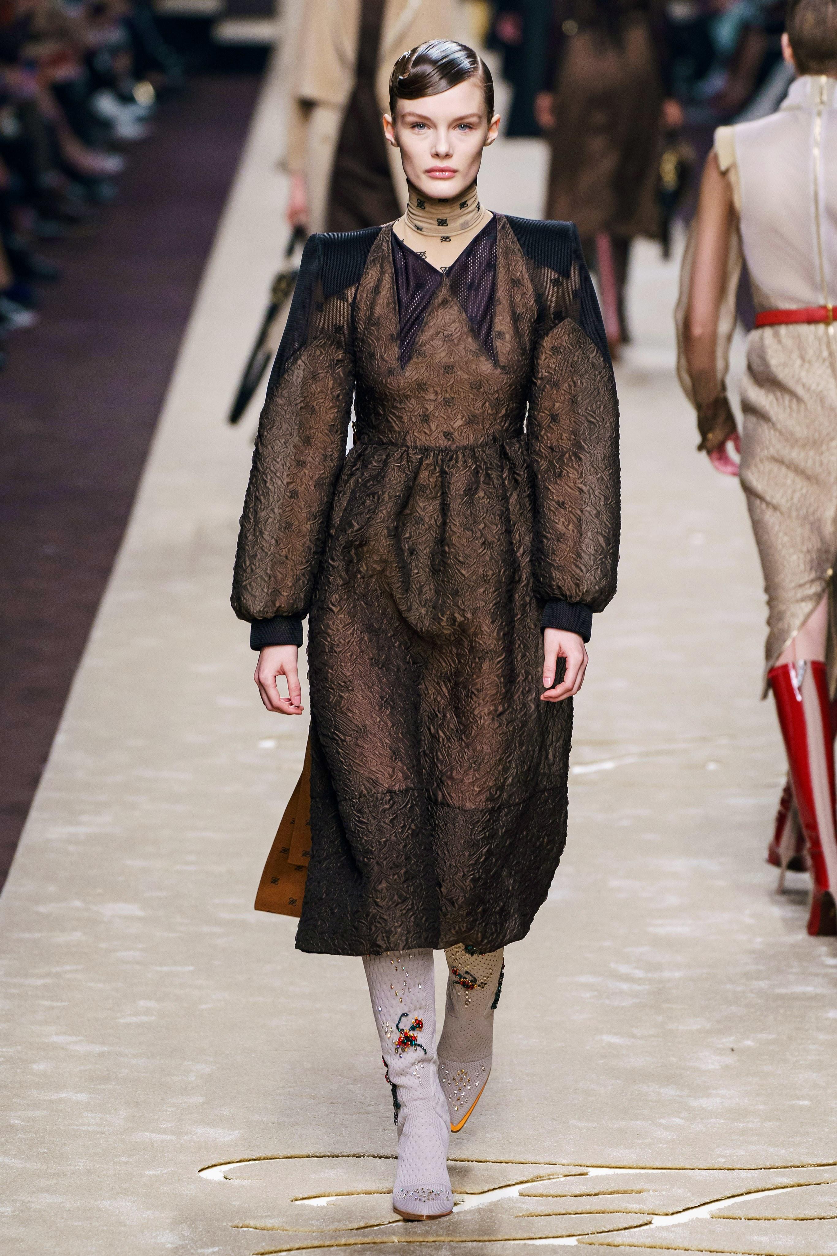 Fendi Есен/Зима 2019: Fashion's longest love story: Последната на Карл за Fendi