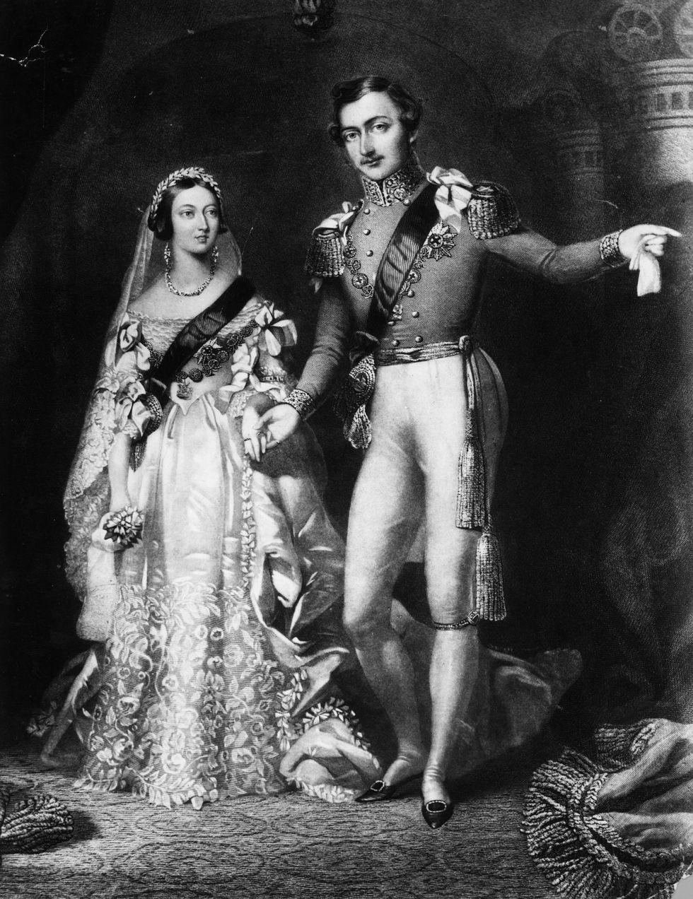Булката трябва да е в бяло! Добре позната традиция, стартирала от кралица Виктория през далечната 1840 година.