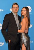 """Ноа Сентинео и Алексис Рен Звездата от романтичните комедии на Netflix, Ноа Сентинео, 23, се влюбва в Алексис Рен, също на 23 и модел, избран за """"rookie"""" на Sports Illustrated Swimsuit за 2018 година, също и инфлуенсър."""