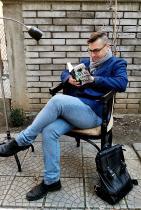 """Петър Денчев - театралният режисьор, писател и публицист, малкият Бог на земетръса: """"Вече виждаме пораженията на невежеството на родна почва, отразява се на качеството на живот."""""""