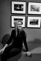 """Гергана Мудова - Гати, завършилата в Холандия """"Илюстрация и фотография"""" елегантна дама, с изключително отношение към изкуството, заради което е и неразривна част от фондацията """"Мусиз"""": """"Не губя време да се ядосвам, това ми спестява много."""""""