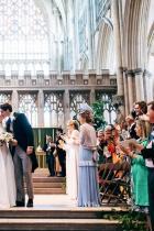 """Ели Голдинг и Каспар Джоплин На 31 август певицата каза """"ДА"""" в Йоркската катедрала, облечена в наподобяващ кралската естетика дизайн от Chloé."""