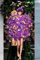 """""""Ефектът на пеперудата"""" Стилно поднесен, ефектът на пеперудата е най-горещият тренд за пролетно-летния сезон  - straight off the runway. Тук е с една единствена цел - да покаже, че модата не е забравила за забавлението и цветовете."""