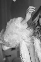 Христина Аврамова - Тита Ами, тя си е същниска Анаконда, точно както се казва последната й песен. И определено не би се замислила да ти направи вуду кукла, за да постигне целите си.  Младата чаровна изпълнителка е само на 18, но вече има няколко музикални хита, участие в онлайн сериал и изяви на модел. Нека е попътен вятърът!