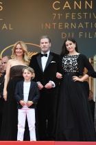 Джон Траволта и семейството му
