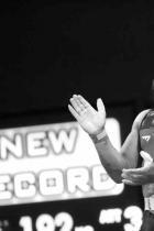 Божидар Андреев  Божидар Андреев идва от село Тополчане, за да стане европейски шампион /кат. до 81 кг/ на първенството по вдигане на тежести до 23 години в Букурещ тази есен. Малък, но славен, Божидар има странна и тежка съдба, извънредно симпатичен е и с дух на голям шампион. Очакваме да бъде обявен за Спортист на годината и му го пожелаваме. Имаме нужда от малки силни герои като него.  сн.: БТА