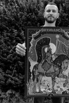 """Дидо Пешев Дидо е българинът, който направи официален постер за продължаващото вече три години турне на Metallica - WorldWired. Илюстраторът, чиято работа е основно обвързано с музика, се похвали в Инстаграм профила си този юли: """"Приятели, това е много специално и много лично за мен. Благодарен съм за всеки момент като този, а те не идват често. Щастлив съм да съм тук и да мога да го споделя с вас. Тази вечер всемогъщите Metallica ще представят пред повече от 70 хиляди души във Варшава и удостоиха мен с честта да изработя официалния постер за шоуто."""" Все красиви неща да правиш, Дидо, и все така високоценени! сн.: Instagram"""
