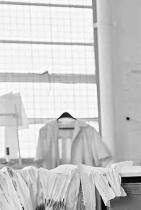 Кико Костадинов Най-нашумялото българско дизайнерско име на световния небосклон. На 30, Кико прави колаборация след колаборация с гиганти в fashion, като Asics, и преди това Camper, успоредно с фантасмагориите, в най-добрия моден смисъл, които произвежда под собствения си лейбъл. Драматичен на външен вид, недостъпен, но пък гениален, почти, КК е вдъхновение, идеал, цел и гордост. сн.: Allure