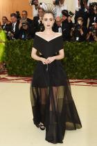 Лили Колинс в Givenchy