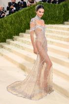 Кендъл Дженър в Givenchy