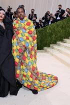 Риана в Balenciaga Couture и бижута Maria Tash и A$AP Rocky в ERL