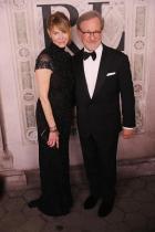Стивън Спилбърг и половинката му