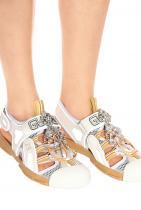Туристическите кожени сандали с камъни на Gucci от Mytheresa, 1 931лв.