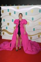 Флоренс Пу Облечена в Dries van Noten на церемонията за 73-тата филмова награда на Британската академия.
