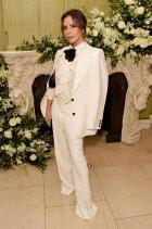 Виктория Бекъм Носеща собствена колекция за Fashion and Film партито на британския Vogue и Tiffany & Co.