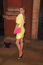 Тайгър Лили Тейлър Носейки Annies Ibiza за private събитието на V&As Bags: Inside Out.