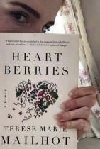 """Ема Уотсън Умът на актрисата е превзет от Heart Berries от Terese Mailhot. Книгата е """"силен и много поетичен"""" мемоар на подрастваща жена."""