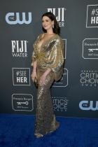 Ан Хатауей в Versace
