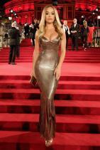 Рита Ора в Versace