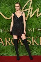 Ева Херцигова в Versace