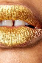 Златни устни металик. Kiss kiss bang bang...