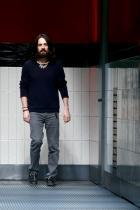 Алесандро Микеле Човекът, който към сегашния момент е причината Gucci да е Gucci. Магично креативен и чувствен, иновативен, смел - няма по-секси мъж в модния бранш от Алесандро Микеле.