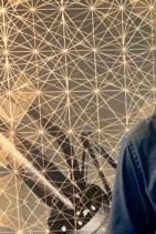 """Христо Петров - Ицо Хазарта  снимка: БГ Радио Известна част от четящите може би се чудят какво прави името на Ицо Хазарта в този списък. Отговаряме ви - каквото си поиска. Всъщност той винаги прави каквото си поиска -  изчезва за години, после се появява и сам насочва светлината на прожектора към себе си. Прави """"Неправилен рап"""", попарва с римите си всичко, което вижда и не му харесва, осмива всичко, що си заслужава да бъде осмяно. Поетично циничен в изказа си, но праволинейно точен в преценката си, възпитаникът на Класическата гимназия внася нужната доза уравновесеност не само сред колегите си, а и в обществото, използвайки строго саркастичния си и много отрезвяващ рап """"мерник""""."""