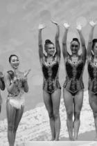Златните момичета Симона, Елена, Мадлен, Лаура, Стефани, и спечелен златен медал за отборно представяне с пет обръча на Световното първенство по художествена гимнастика в София! Гордост, красота, смисъл сте ни, момичета! снимка: Facebook/ Олег Попов