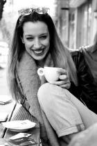Станислава Коцева Шумното високо момиче с готин стил, което на по мекица ни разказа как седят нещата, във филмите, и в живота, защото огранизира кинофестивал от рода на So Independent, се оказа свежо, симпатично, ярко родно феминин присъствие, което зареди есента ни. снимка: View Sofia