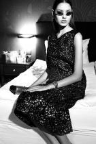 Милица Борисова Ню Йорк, Милано, Париж, Шанхай, Барселона – освен позициите им на утвърдени модни дестинации, ги обединяват и проектите на едно прекрасно младо момиче, лице на Ivet Fashion MA, а именно нашата Милица Борисова. Порцеланова кожа, дълги коси, плътни устни и това красиво невинно излъчване – досущ като една fashionable Снежанка, Милица обиколи почти всички модни столици в последната година, за да демонстрира таланта си и да докаже за пореден път, че все пак българките са най-красиви. снимка: View Sofia