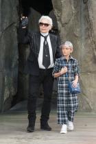 Хъдсън и Карл Лагерфелд на пролетно-лятното ревю за 2018 на Chanel