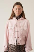 В пепелно, това яке е просто съвършено, като визираме обем, нюанс, внушение, кройка, качулка, триъгълниците отзад, всичко... датската GANNI, 309 евро