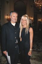 23 януари 1993 година След презентацията на Versace по време на Парижката модна седмица.