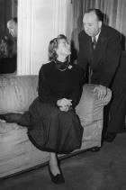 Хичкок и Ингрид Бергман на снимачната площадка а Under Capricorn, 1948