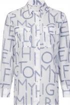 Риза 310 лв. Преразглеждаме класическия силует на ризата с лого мотив, който безспорно й дава нов, по-разчупен вид.