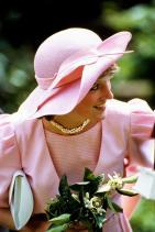 Принцеса Даяна с усукано перлено колие, 1985 г.