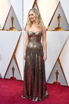 """Дженифър Лоурънс в Dior по време на церемонията по връчването на наградите """"Оскар"""""""