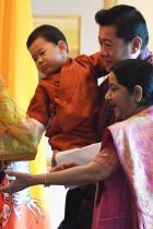 Принц Джигме Невръстният коронован принц е първото дете на кралят на Бутан Джигме Хесар Намгиал Вангчук и жена му 27-годишната кралица Джетсун - най-младата кралица в света.