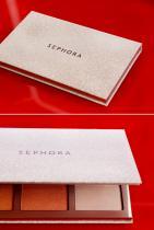 Сет хайлайтъри от SEPHORA Collection, 50лв. Ако не сте разбрали досега, всичко бляскаво ни е по вкуса, така че: ДА! ДА! и пак ДА!