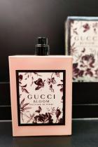 Bloom GUCCI #GuccifyYourself с първия аромат, разработен изцяло под директурата на Алесандро Микеле за Gucci. Аромат, създаден да чества автентичността, жизнеността и различността на жените, развиващи се естествено, експресивно, всяка вървяща по свой индивидуален път в живота.