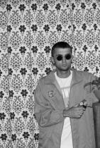 """Цветослав Цонев - Цуро  Цветослав Цонев - Цуро е един от най-популярните български влогъри, последователите му наброяват повече от 225 хиляди и с основание, защото по-забавен и автентичен от него, просто няма. Преди време той издава  дебютната си книга """"Блендер"""", която разказва въображаеми и реални случки от живота под формата на комикс. Цуро ни заразява с характерния си хумор от вече 10 години и признаваме, че често си пускаме Цуро в лоши дни. Сн.: Facebook"""