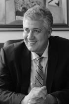 """Асен Балтов Проф. д-р Асен Балтов - един човек с голямо сърце и много заслуги в медицината. От 2017 г. до ден днешен е изпълнителен директор на УМБАЛСМ """"Н. И. Пирогов"""", а от миналата година е и координатор на Експертния съвет по ортопедия и травматология към МЗ. Като ръководител на една от най-големите болници в столицата, проф. д-р Балтов е начело на борбата с Ковид кризата и административно, и на терен. Благодарим му от все сърце за всички грижи и му пожелаваме да бъде здрав! Сн.: 24 часа"""