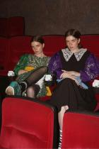 Рийз и Моли на прожекцията на Miu Miu Womens Tales