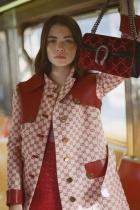 Моли за Vogue в цял Gucci аутфит