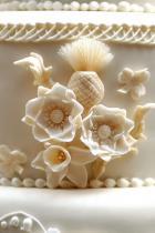 Сватбената церемония включва две торти Тортата на Уилям и Кейт беше изпипана до последния детайл... Нямаме търпение да видим и тази на Хари и Меган.