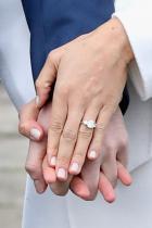 Член 1701 от Акта за уреждане забранява на кралските особи да се женят за католици Което автоматично значи, че Меган Маркъл ще бъде покръстена и провъзгласена за част от църквата на Англия.